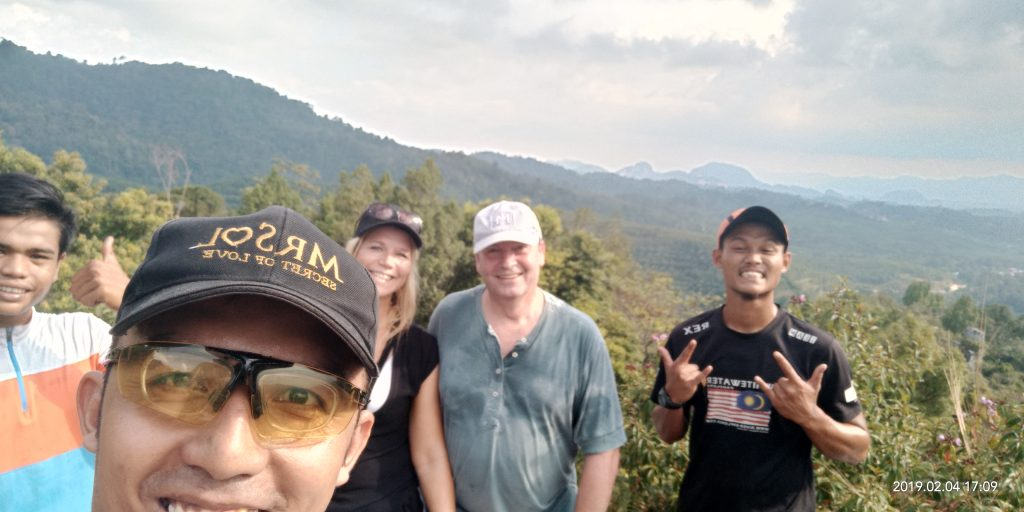 Hiking_Trail_Sunset_Adventure_Bukit_Batu_Putih
