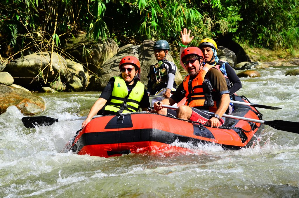 sg_kampar_white_water_rafting