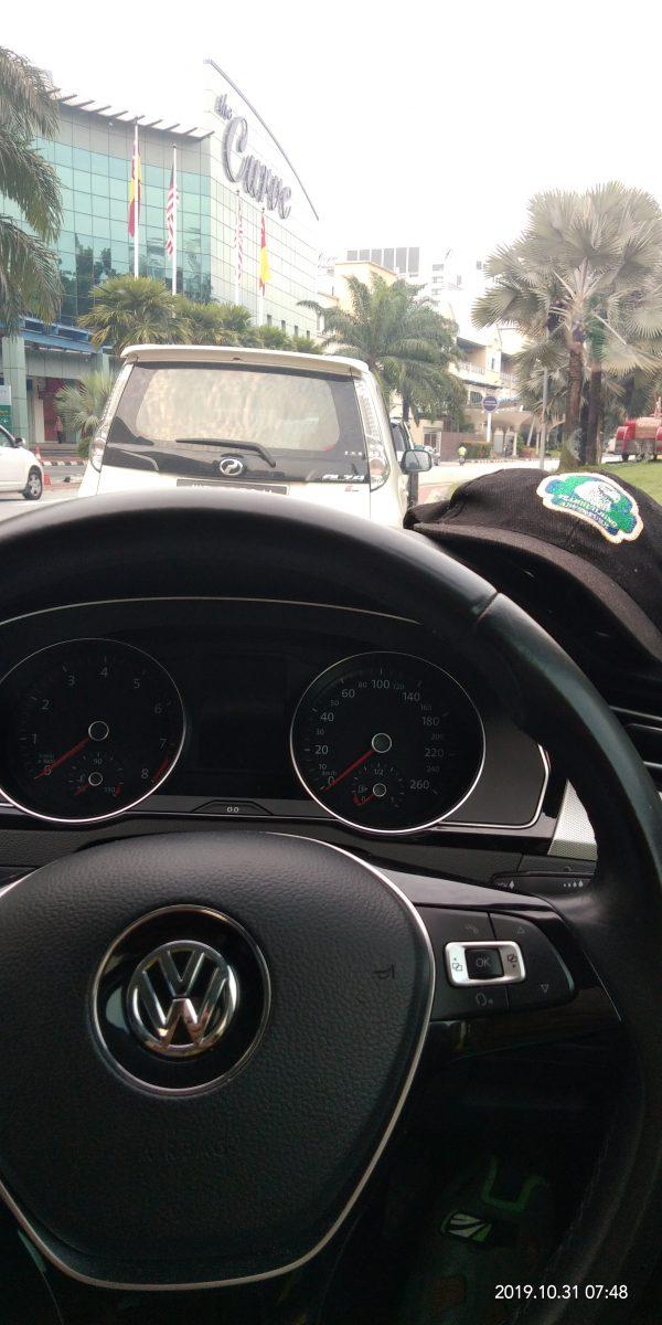 adventure_cap_on_remium_passat_car (1)