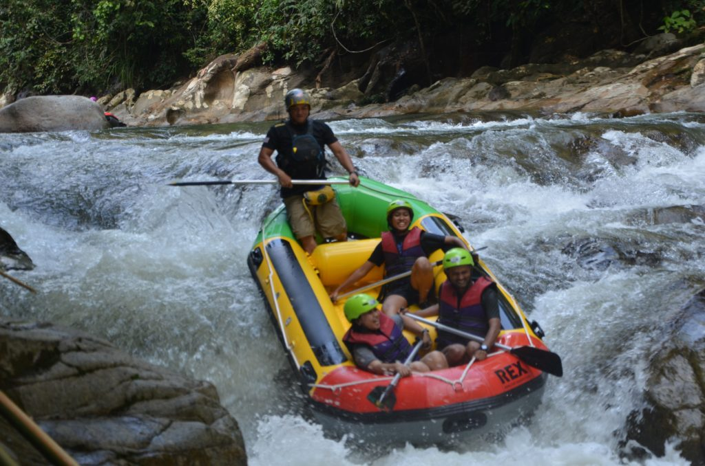 Sit well and practice an happiness shout at Ipoh Rafting