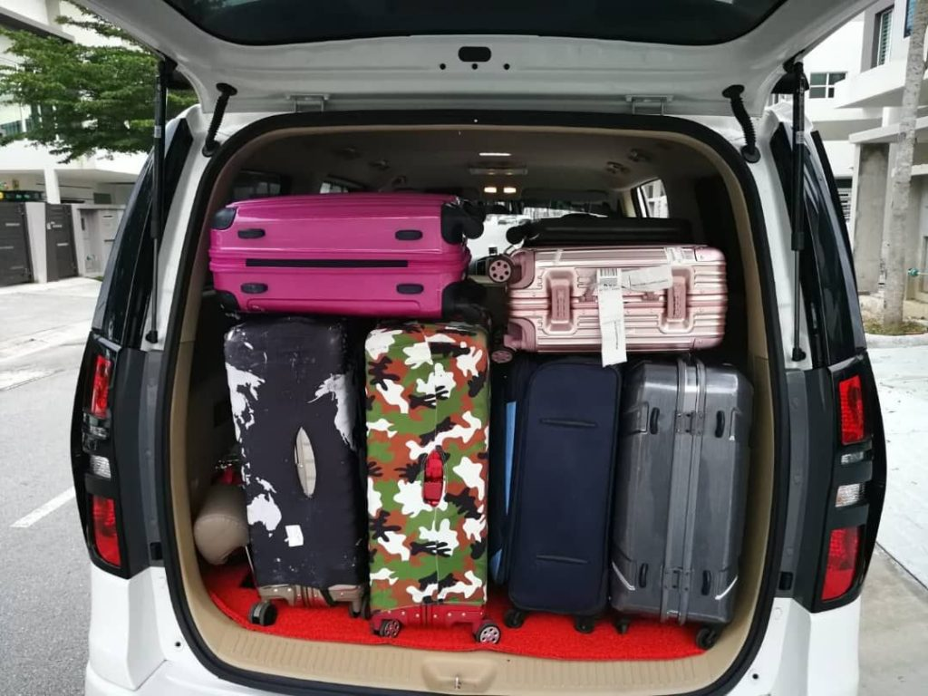 Kuala Lumpur with luggage MPV rental executive
